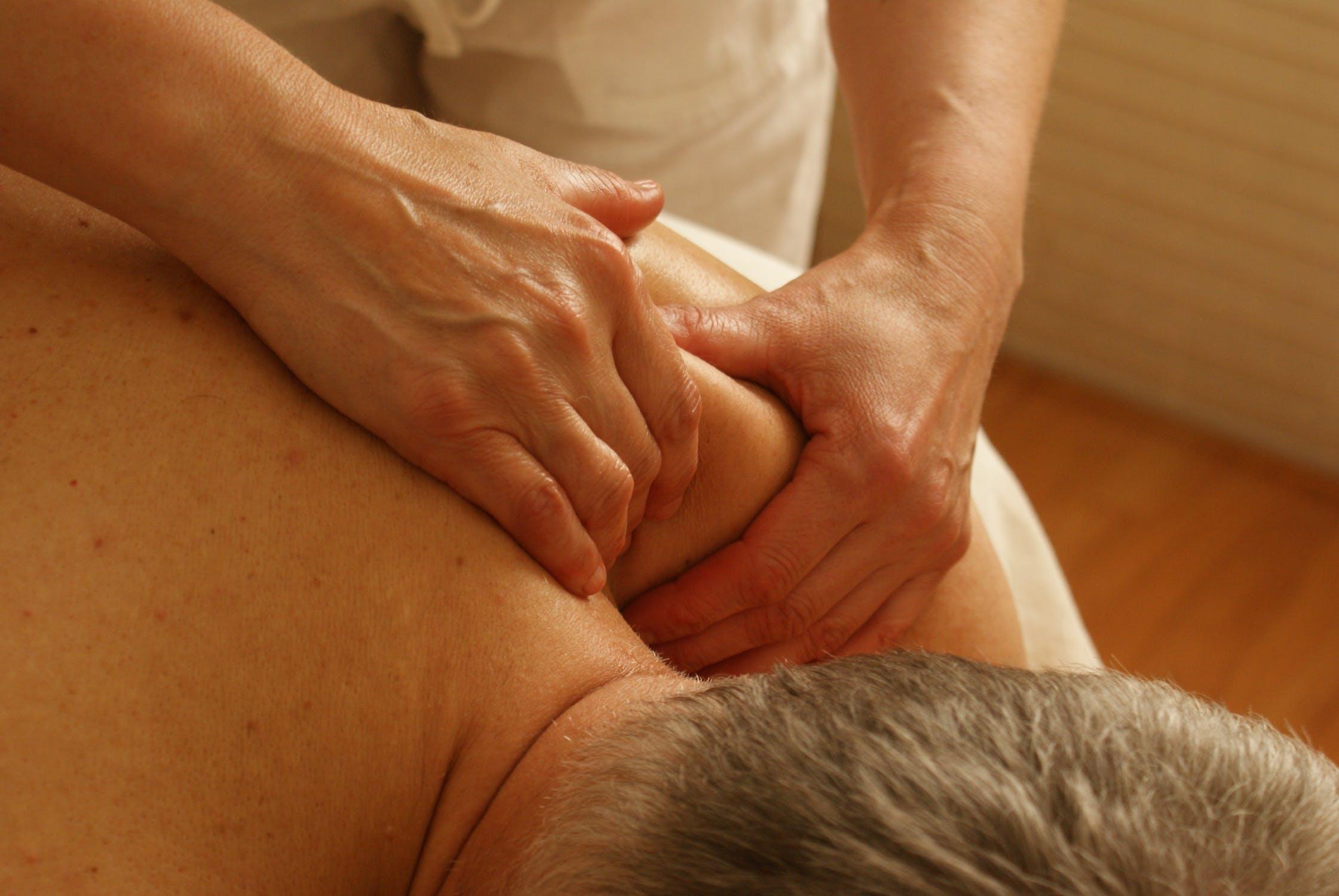 Hoe gaat een behandeling fysiotherapie in zijn werk?